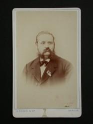 Dr. Carl Brecht