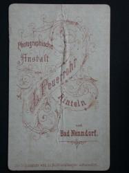 F. Hausadowski